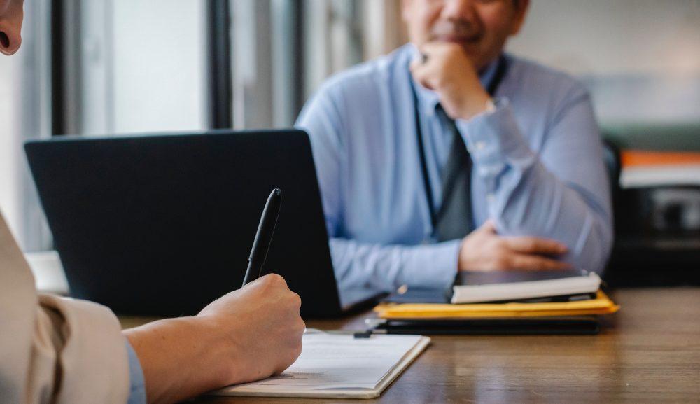 社員のモチベーション維持に必要なのは評価面談ではなく「○○面談」!